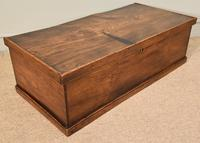 Early 19th Century Elm Blanket Box (2 of 5)