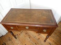 Neat 19th Century Kneehole Desk (8 of 11)