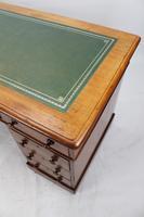 Victorian Mahogany Pedestal Desk (8 of 13)