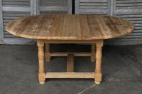 Round Farmhouse Dining Table with leaf (5 of 11)