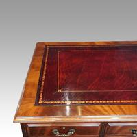 George V Mahogany Pedestal Desk (4 of 13)