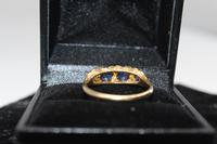 18ct Gold, Diamond & Sapphire Ring, size Q, weighing 2.8g (4 of 5)