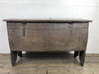 Early 18th Century Six Plank Oak Coffer (9 of 20)