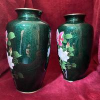 Taisho Period Pair of Japanese Cloisonne Vases (7 of 8)