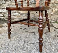 Pair of Antique Broad Arm Windsor Chairs (16 of 28)