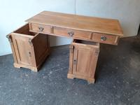 Pine Knee Hole Desk (6 of 6)