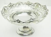 Antique Solid Silver Centre Piece / Fruit Bowl by Walker & Hall 521 grams c.1923 (4 of 6)