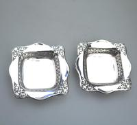 Unusual Pair of Solid Silver Pierced Square Bonbon Dishes Chester c.1927 (3 of 8)