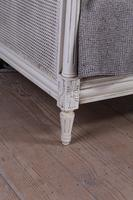 Very Nice French Painted Caned Day Bed (10 of 11)