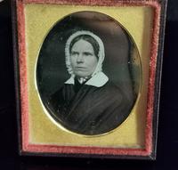 Antique Victorian Daguerreotype, Lady in a Bonnet - Cased (5 of 8)