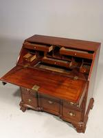 Beautifully made George III Period Mahogany Bureau in the American Taste (3 of 5)