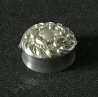 Late Victorian Silver Repousse Top Silver Pill Box (5 of 6)