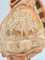 Vintage Italian Carved Cameo Conch Shell Lamp (5 of 5)