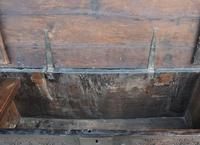 Handsome Early 18th Century Oak Coffer / Blanket Box / Chest c.1700 (7 of 8)