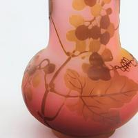 Art Nouveau French Cameo Glass Vase with Trailing Vine by Galle c.1900 (3 of 9)