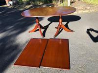 Quality Mahogany Twill Pillar Extending Dining Table (2 of 15)