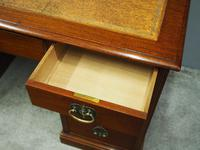 Georgian Style Walnut Writing Desk c.1910 (9 of 11)