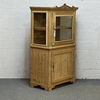 Attractive Small Pine Display Cabinet C.1900 (3 of 4)