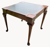 Unusual Games / Card Table in Mahogany (3 of 5)