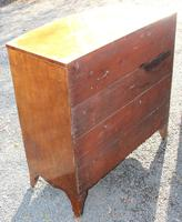 1900s Quality Mahogany Chest of Drawers with Inlay (3 of 4)