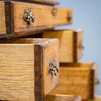 Oak Knee-hole Desk (4 of 9)