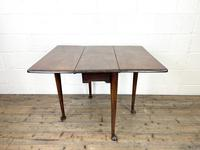 Antique 18th Century Walnut Drop-leaf Table (9 of 10)