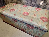 Superb Country House Ottoman (4 of 8)