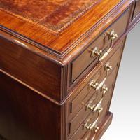 Edwardian Mahogany Large Pedestal Desk (3 of 13)