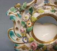 Coalport 'Coalbrookdale' Flower Encrusted Table Watch Stand c.1825-1830 (4 of 8)
