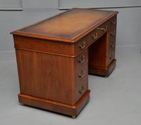 Victorian Mahogany Pedestal Desk (5 of 12)
