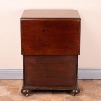 19th Century Small Mahogany Chest of Drawers with Extending Top (18 of 24)