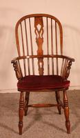 Near Pair of English Windsor Armchairs - 19th Century (10 of 11)