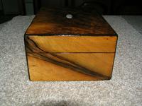 Antique Victorian Walnut Jewellery / Trinket Box, Mop, working lock & key (7 of 9)