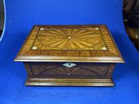 19th century French Walnut Inlaid Jewellery Box. (15 of 16)
