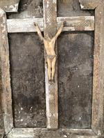 Antique French 18th Century wall mounted crucifix on gesso plaque (7 of 10)