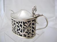 Pretty Victorian Pierced Silver Mustard Pot Edmond Johnson London 1895 (3 of 10)