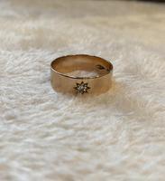 9ct. Gold Star Set Single Diamond Ring. 1957 (5 of 5)