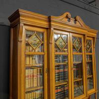 Edwardian Oak Breakfront Bookcase with Open Central Section (9 of 10)