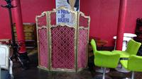 French Folding Screen (3 of 3)