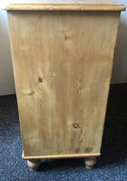 Stripped Pine Chest of Five Drawers (7 of 9)