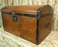 Petite Pine Travelling Trunk with Domed Top (2 of 5)