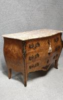 Superb French Commode Chest of Drawers (9 of 10)