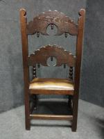 Pair of Oak Carver Hall Chairs c.1900 (3 of 6)