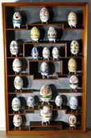 A Collection of Ceramic Egg Trinket Boxes, in Original Art Deco Display Shelf (2 of 8)