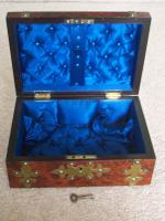 Burr Walnut Silk Lined Low Dome Sewing or Jewellery Box (5 of 7)