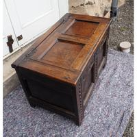 Baby Size 17th Century Carved Oak Coffer (2 of 8)