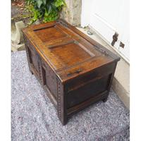 Baby Size 17th Century Carved Oak Coffer (3 of 8)