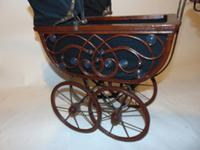Edwardian Doll's Pram (2 of 6)