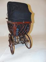 Edwardian Doll's Pram (4 of 6)