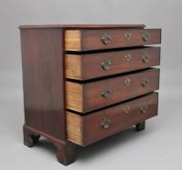 18th Century Mahogany Chest of Drawers (3 of 10)